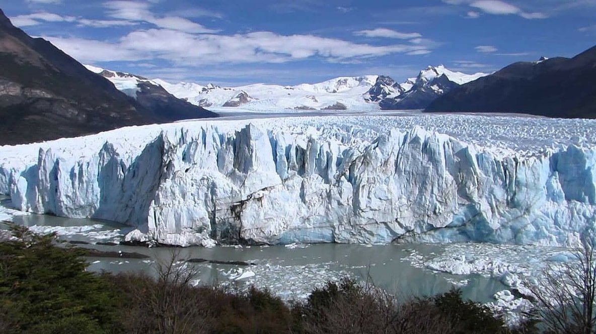 in patagonia summary Swoop patagonia are patagonia travel experts we take pride in arranging the right trip for all of our as it's still technically winter in patagonia, september is a chilly month you'll find snow on the ground.